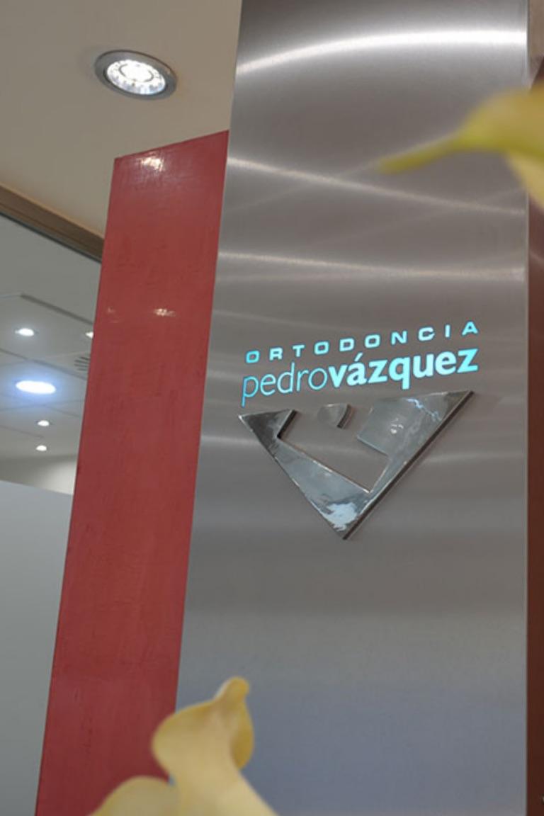 Recepción Clínica Ortodoncia Pedro Vázquez