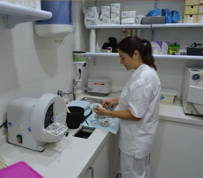 Sala de esterilización Clínica Ortodoncia Pedro Vázquez